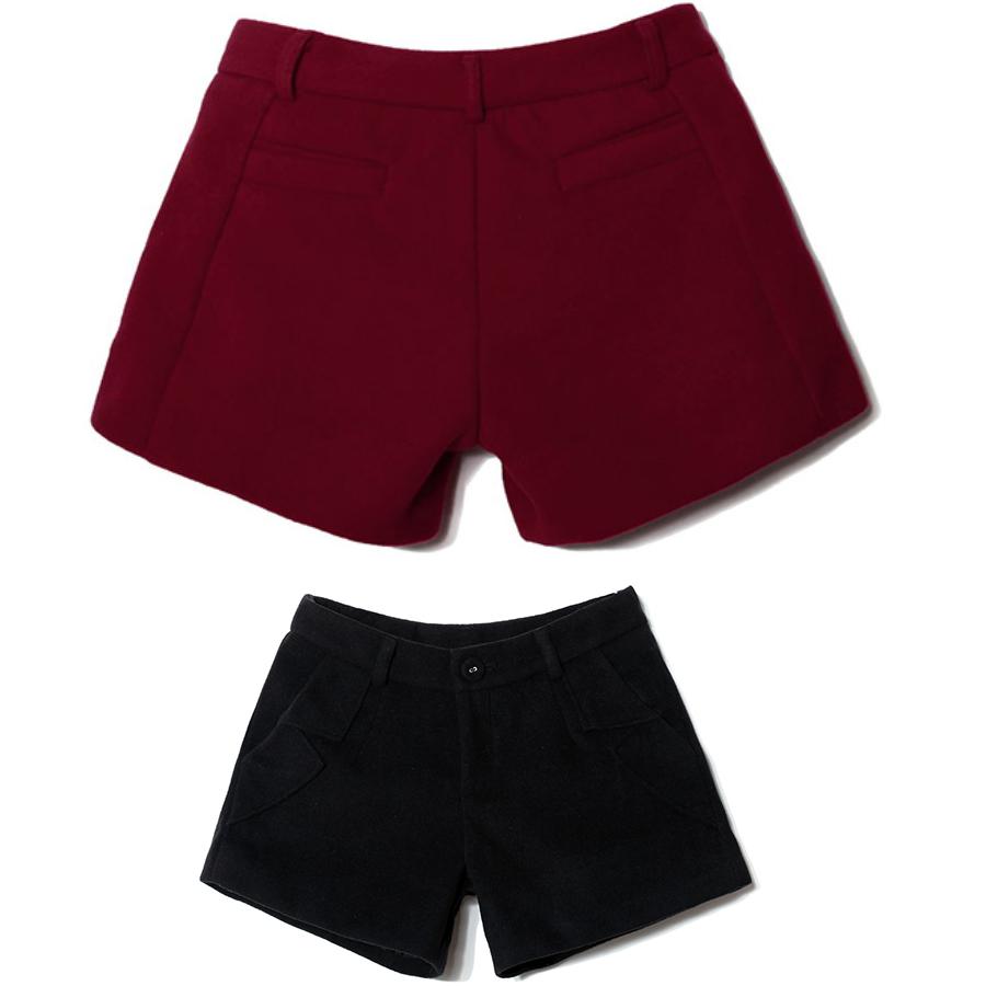 红色呢子短裤搭配